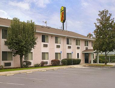 Super 8 by Wyndham Selma / Fresno Area