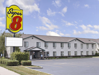 Super 8 Delavan Near Lake Geneva