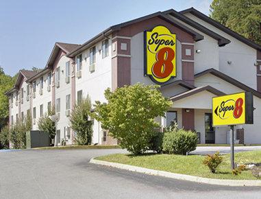 Super 8 Roanoke VA