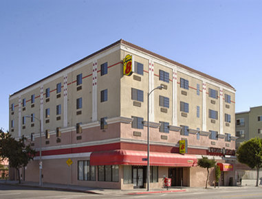 Super 8 by Wyndham Hollywood / LA Area