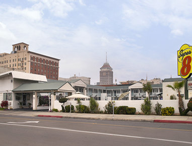 Super 8 Fresno Convention Centre Area