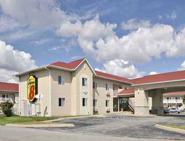 Super 8 by Wyndham Indianapolis / NE / Castleton Area
