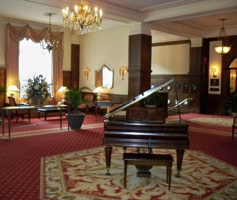 Yorktowne Hotel-Interstate