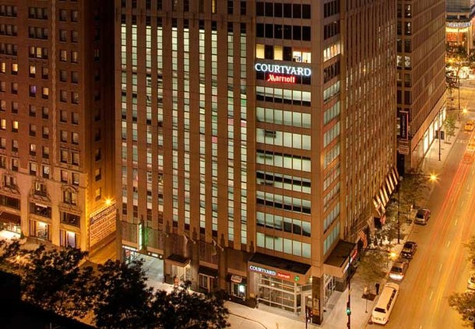 Courtyard by Marriott Chicago Magnificent Mile