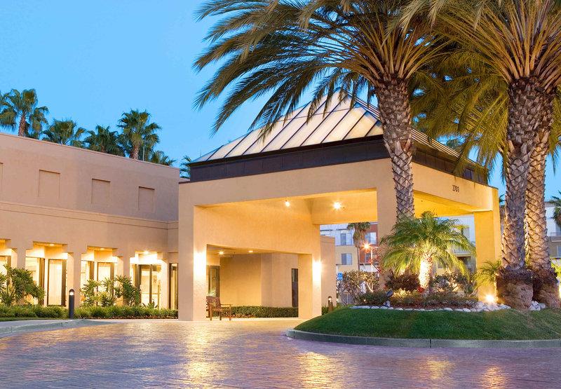 Courtyard by Marriott John Wayne Airport / Orange County
