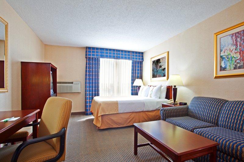 Holiday Inn CHICAGO-ELK GROVE