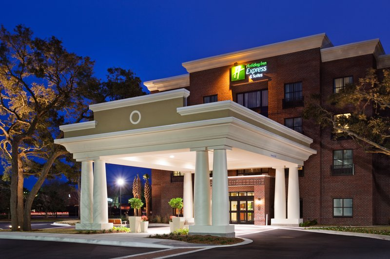Holiday Inn Express & Suites MT PLEASANT-CHARLESTON