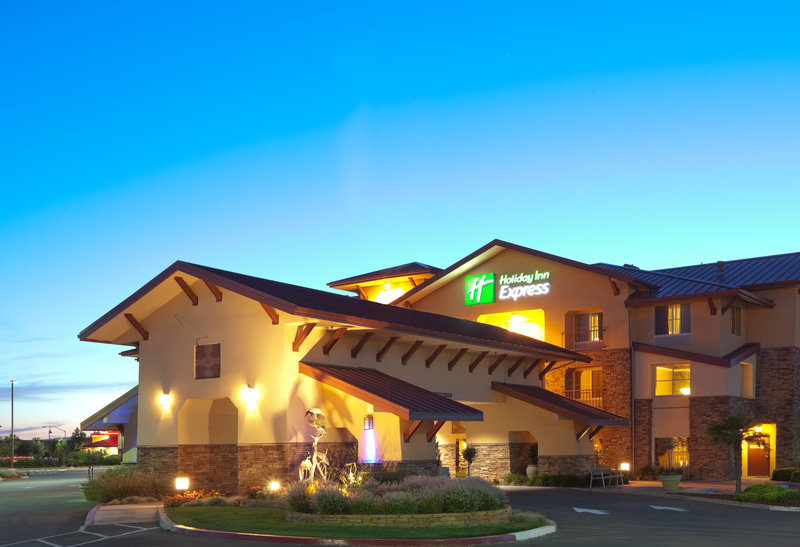 Holiday Inn Express & Suites Turlock