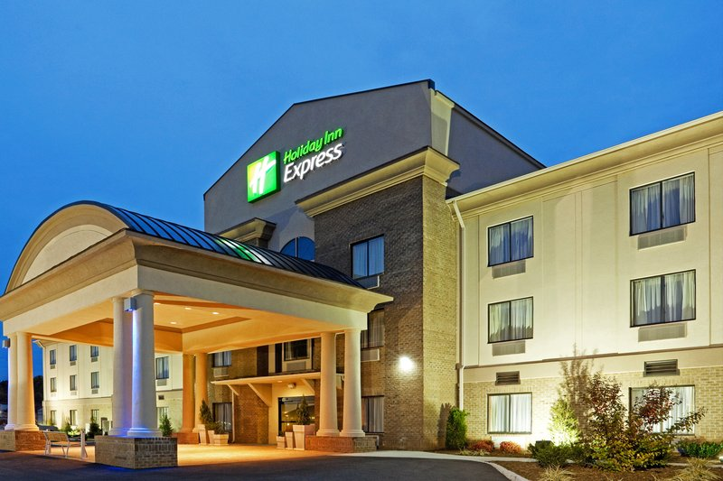 Nice Holiday Inn Express TROUTVILLE   ROANOKE NORTH