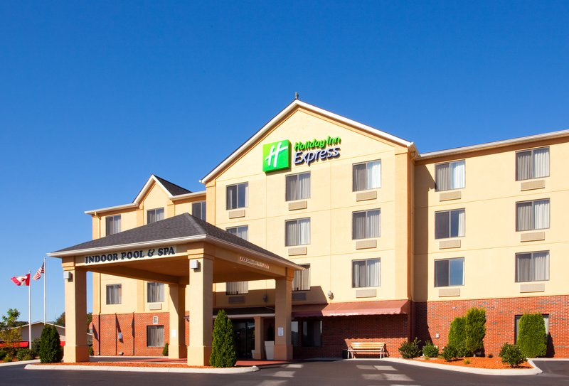 Holiday Inn Express HILLSVILLE