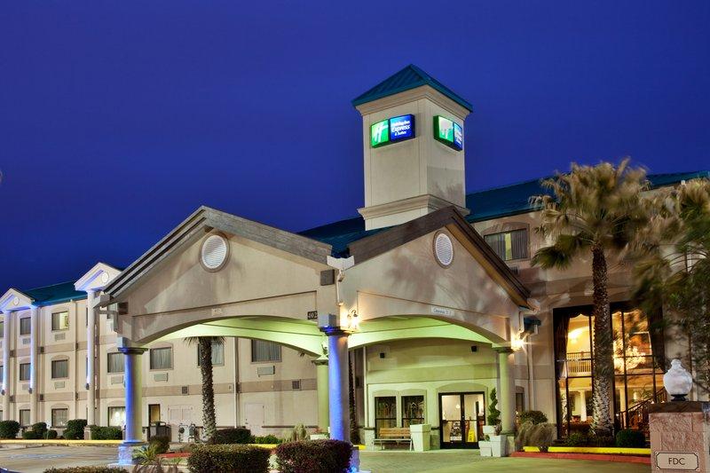 Holiday Inn Express & Suites LAKE CHARLES