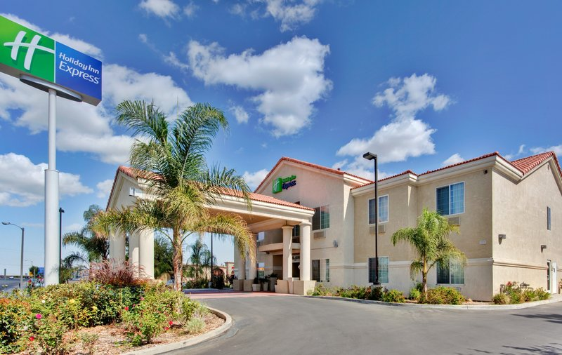 Holiday Inn Express Delano