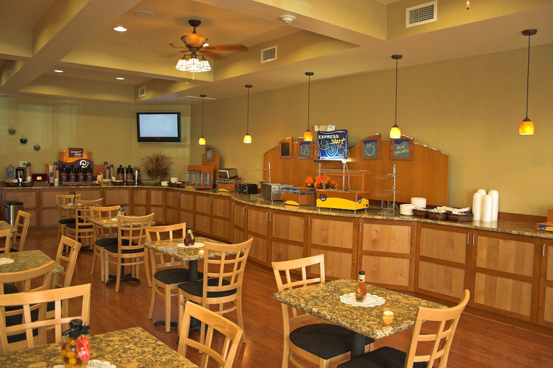 Holiday Inn Express & Suites Interstate 90