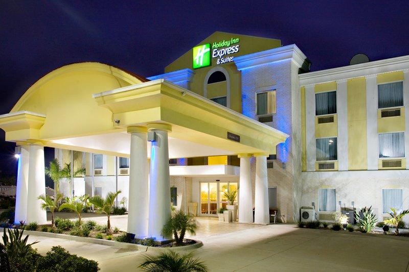 Holiday Inn Express & Suites FALFURRIAS
