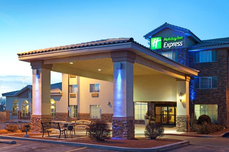 Holiday Inn Express Farmington Bloomfield