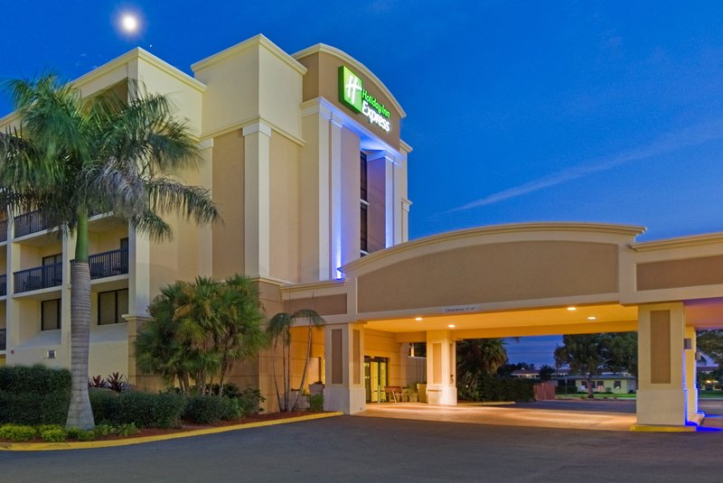 Holiday Inn Express Cape Coral Fort Myers Area