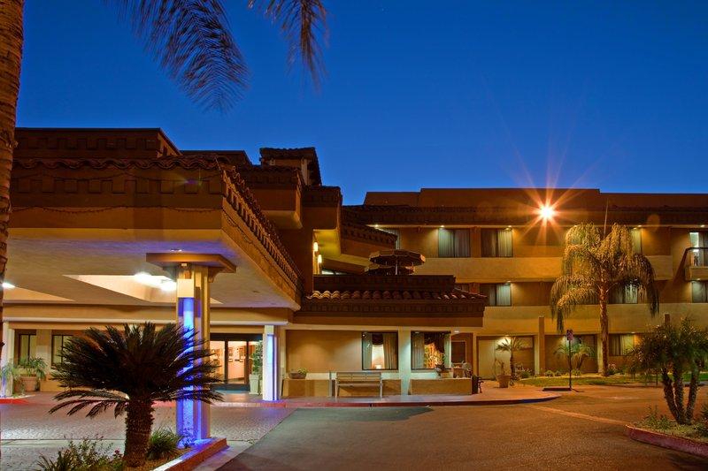 Holiday Inn Express MORENO VALLEY (LAKE PERRIS)