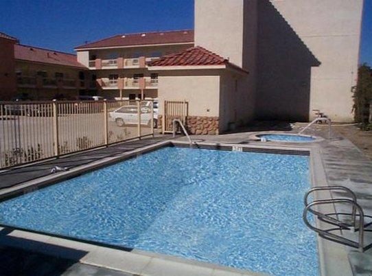 GuestHouse Inn & Suites Pico Rivera