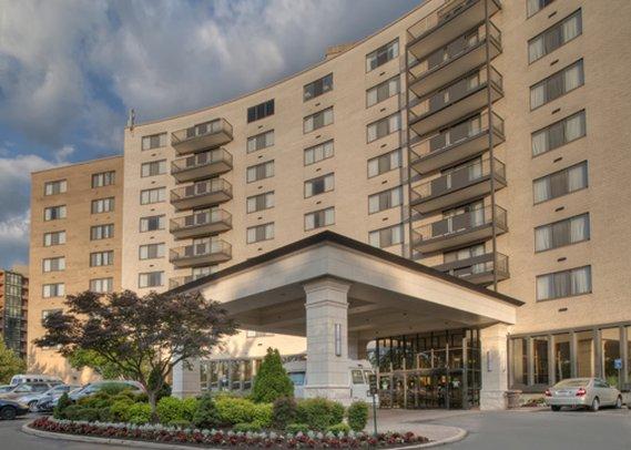 Arlington Court Suites a Clarion Collection Hotel