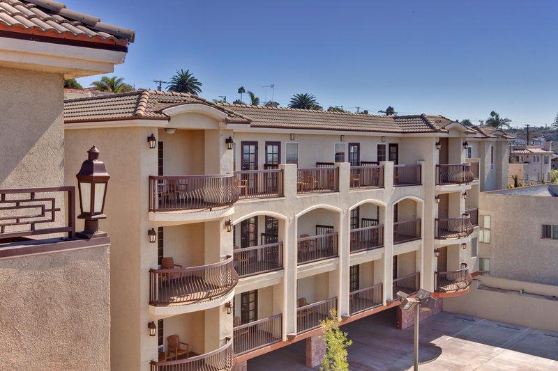 Hampton Inn - Suites Hermosa Beach CA