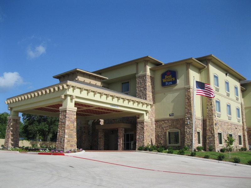 Best Western Plus Goliad Inn & Suites