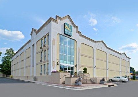 Quality Inn & Suites Near Ft. Belvoir