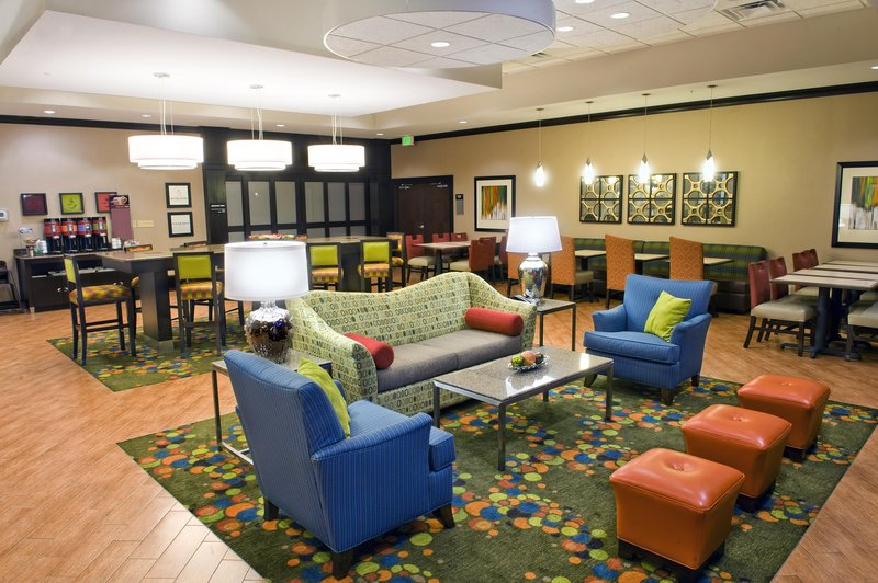 Hampton Inn Evansville-Airport
