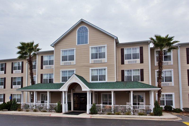 Country Inn & Suites by Radisson Savannah Midtown GA