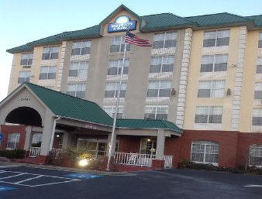 Days Inn & Suites by Wyndham Tucker / Northlake