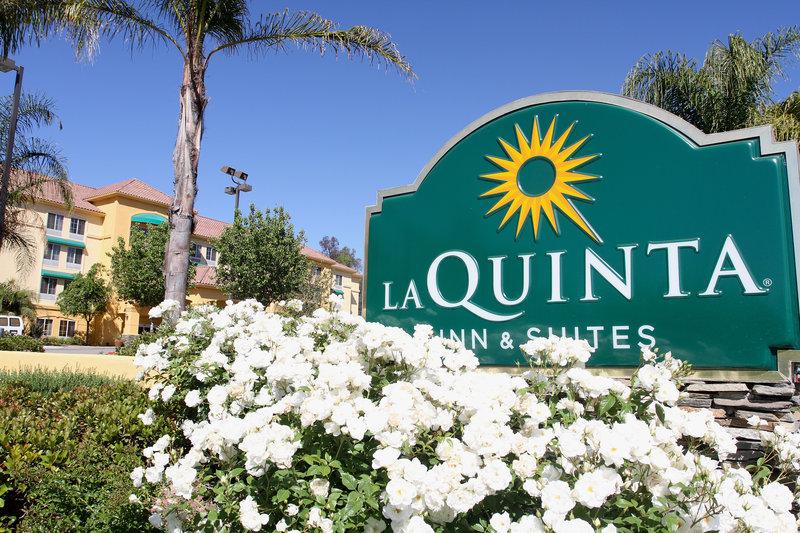 La Quinta Inn & Suites by Wyndham Santa Clarita Valencia