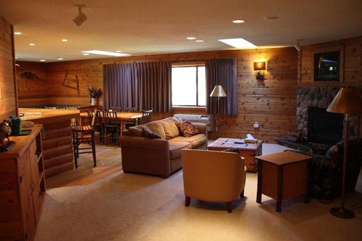 Lodge At Crooked Lake