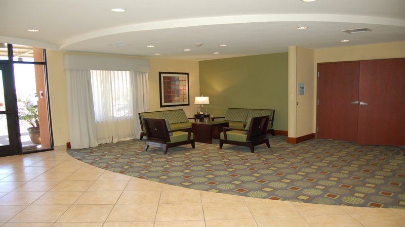 Holiday Inn Express & Suites SURPRISE