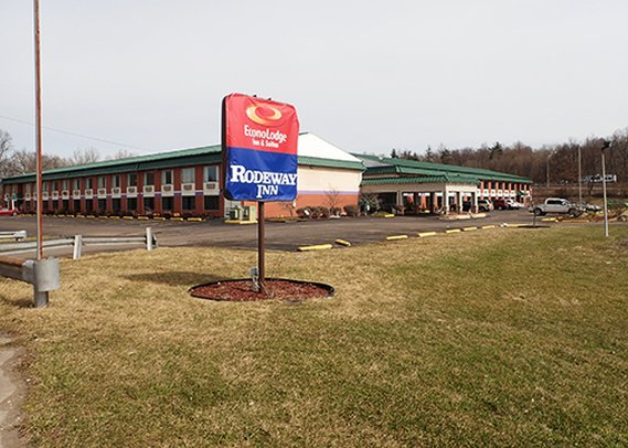 Econo Lodge Inn & Suites Williamstown