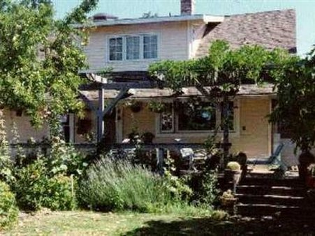 Hollyhock Country House