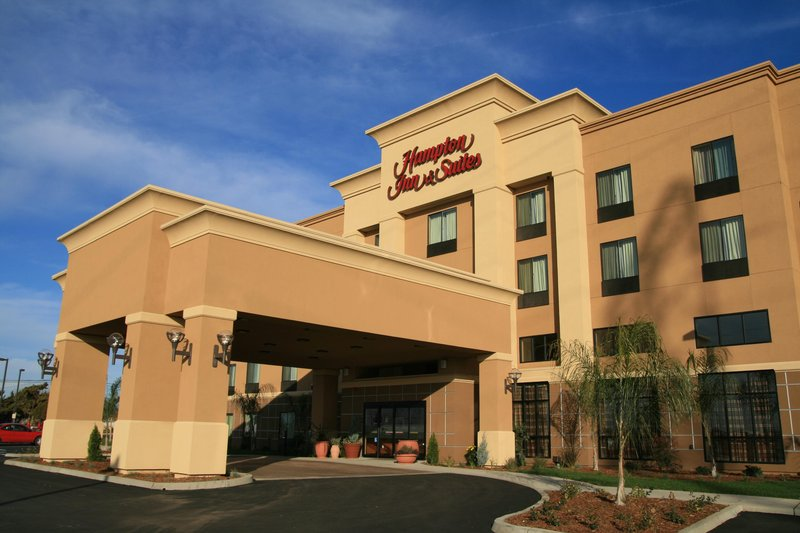 Hampton & Suites BFL Hwy 58 CA