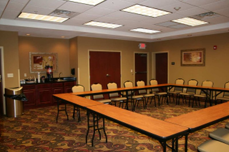 Hampton Inn - Suites Oklahoma City - South