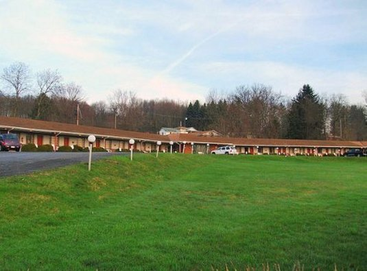 Beaver Falls Motel