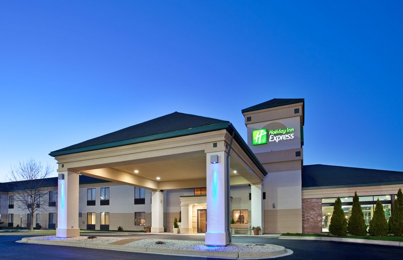 Holiday Inn Express Germantown NW Milwaukee