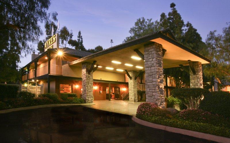 Ayres Lodge Alpine/Viejas