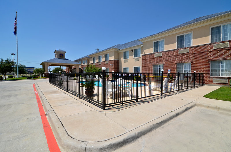 BEST WESTERN Fort Worth Inn & Suites