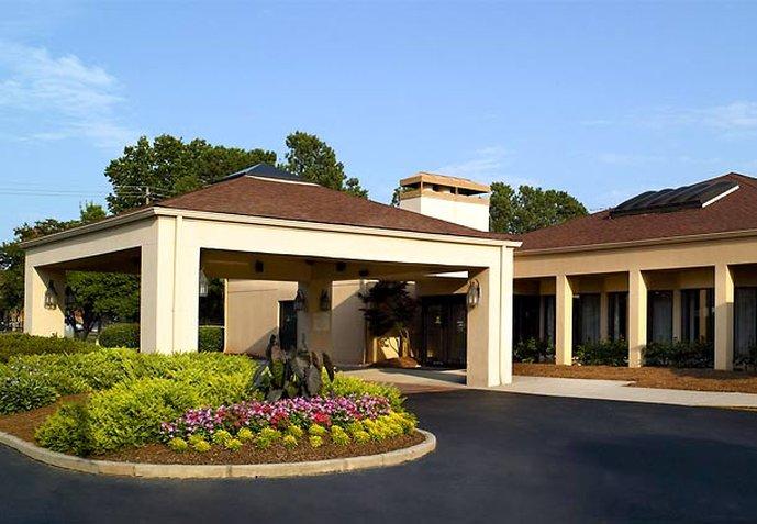 Courtyard by Marriott Atlanta Northlake