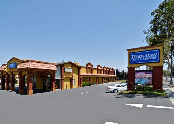 Rodeway Inn & Suites Corona