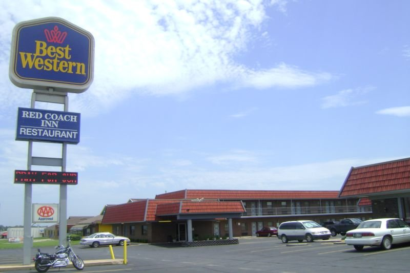 BEST WESTERN Red Coach Inn