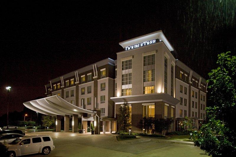 DoubleTree By Hilton Baton Rouge