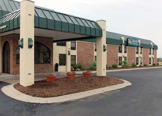 Quality Inn & Suites Shelbyville I 74