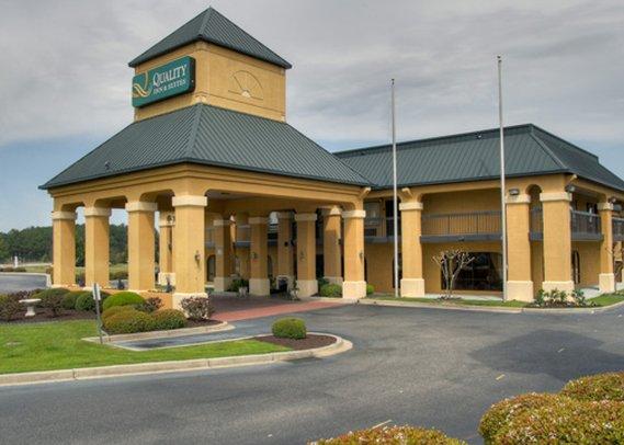 Quality Inn & Suites Civic Center