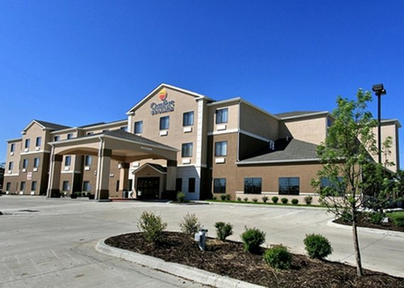 Comfort Inn & Suites Lawrence University Area