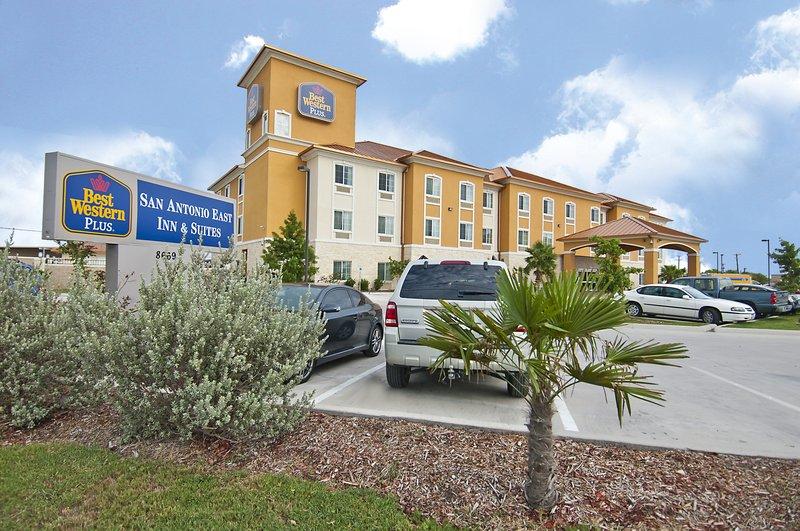 BEST WESTERN PLUS San Antonio East Inn & Suites