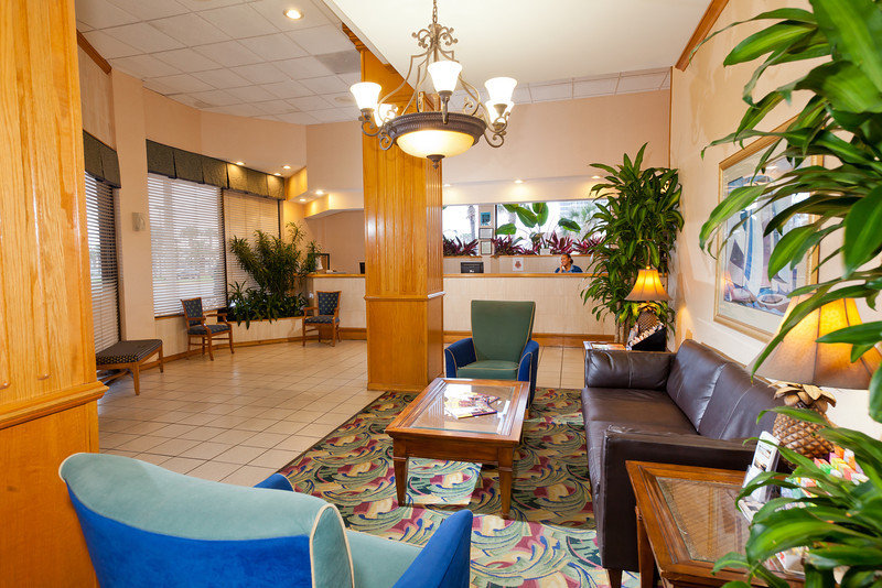 La Playa Resort And Suites