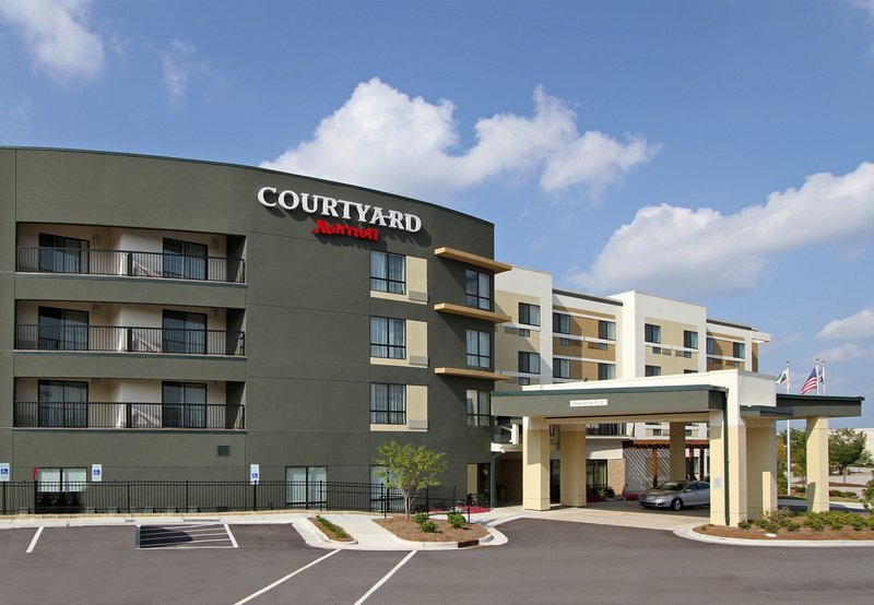 Courtyard by Marriott Raleigh North / Triangle Town Center